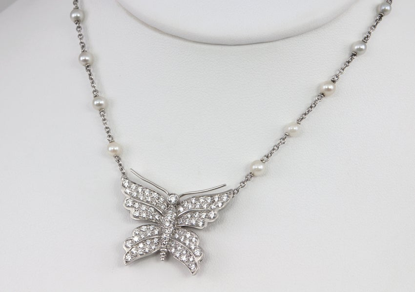 Tiffany & Co. Diamond Butterfly and Pearl Platinum Necklace In Excellent Condition For Sale In Los Angeles, CA
