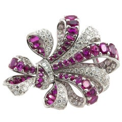Vintage Ribbon Platinum Brooch with 10 Carat of Rubies and 8 Carat of Diamonds