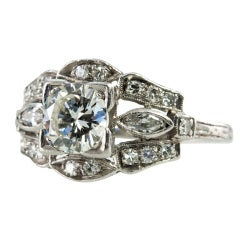 Art Deco 0.90 Carat Diamond and Platinum Engagement Ring