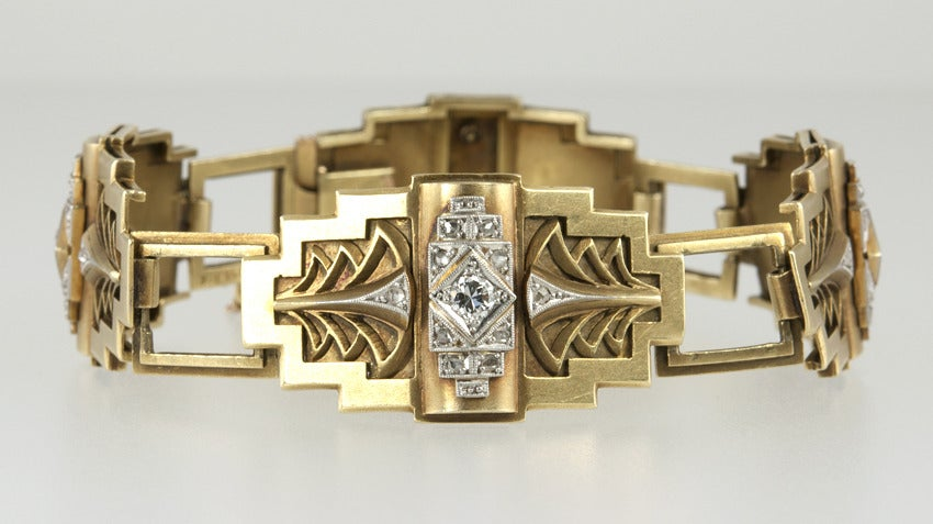 Art Deco Egyptian Revival Link Bracelet In Good Condition For Sale In Los Angeles, CA