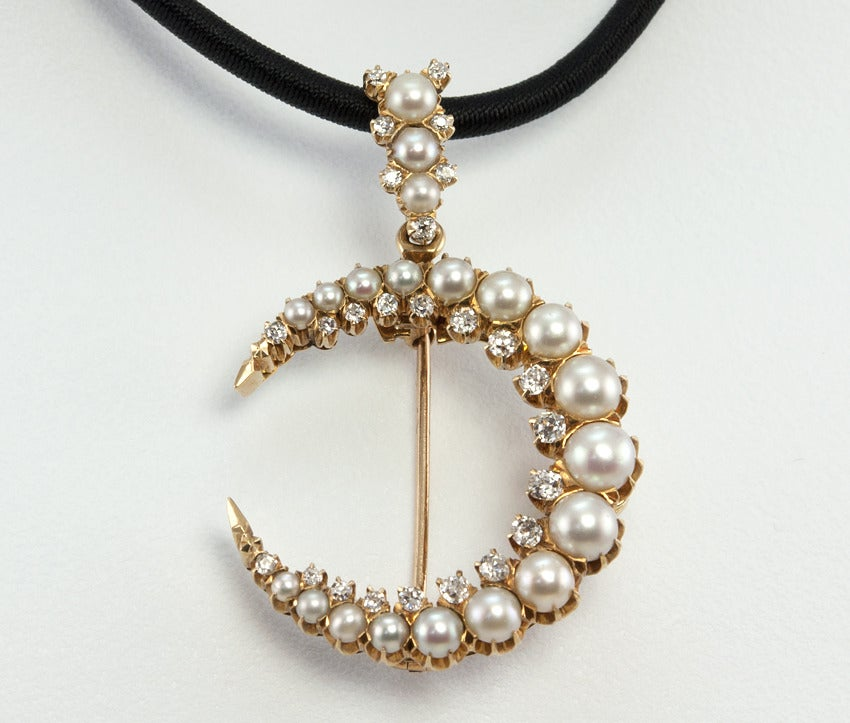 Victorian Pearl and Diamond 14 Karat Yellow Gold Crescent Brooch and Pendant In Excellent Condition For Sale In Los Angeles, CA