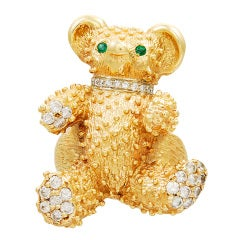 ADORABLE Gold Teddy Bear Ring with Diamonds and Emeralds