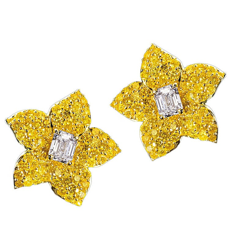 Natural Vivid Yellow Diamond Earrings For Sale