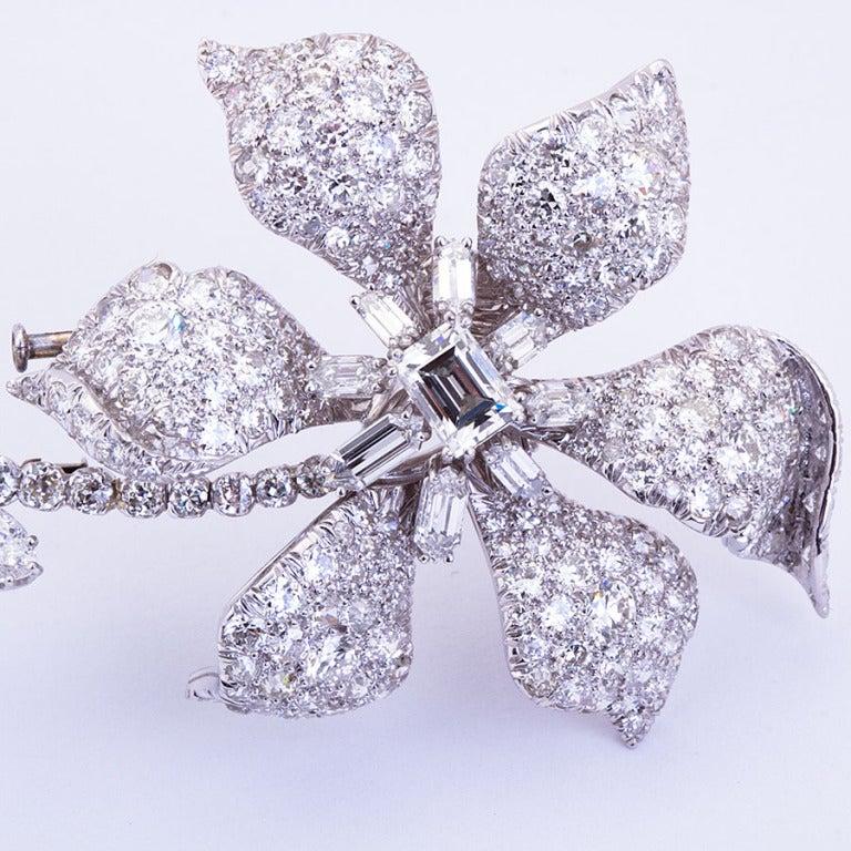 DAVID WEBB Diamond Platinum Long Stem Flower Brooch 2