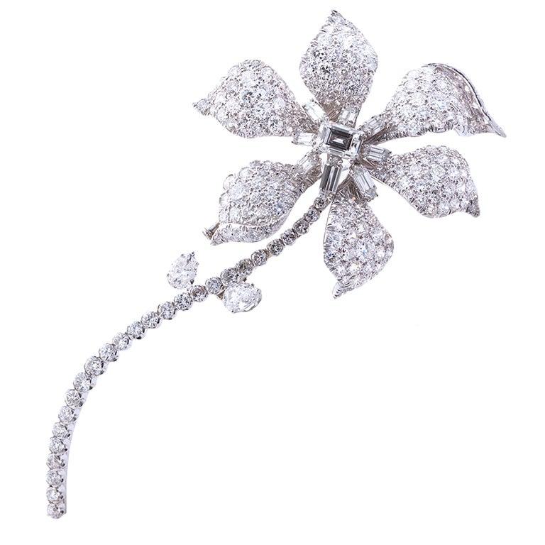 DAVID WEBB Diamond Platinum Long Stem Flower Brooch 1