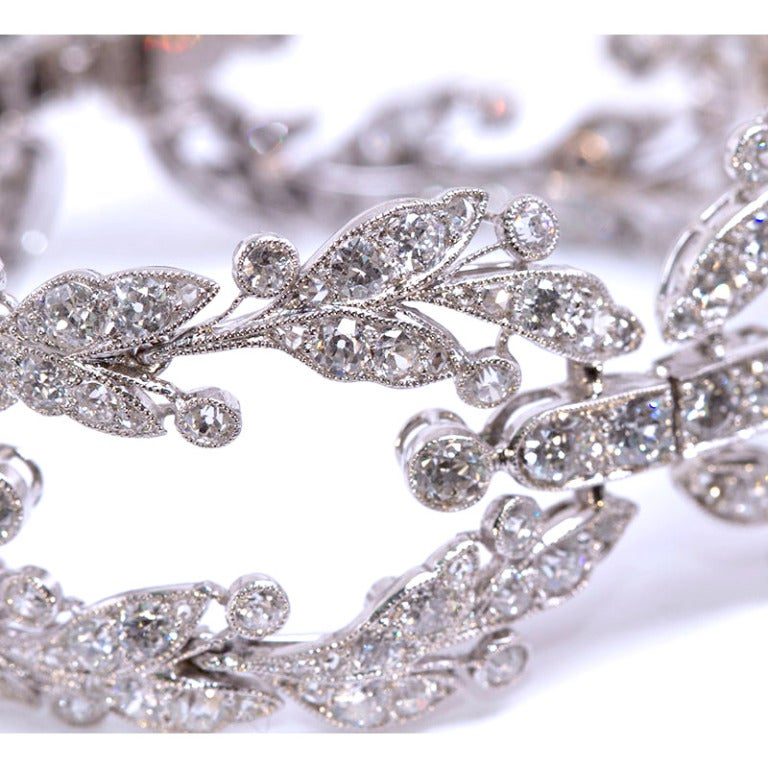 Belle Epoque CARTIER Paris Diamond Platinum Garland Bracelet In Excellent Condition For Sale In New York, NY