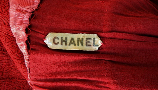 CHANEL 1930s COUTURE BIAS CUT RED EVENING DRESS image 8