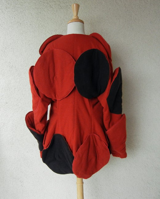 Rare Issey Miyake Wearable Met Museum Art Beret Coat for Collectors, Museums In Excellent Condition For Sale In Los Angeles, CA