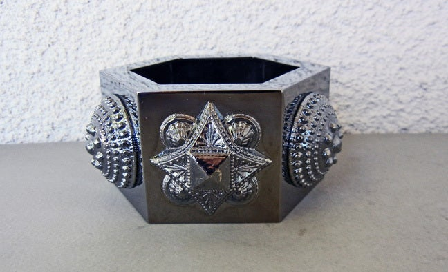 Burberry Prorsum Warrior Oversized Hexagon Cuff Bracelet In New Condition For Sale In Los Angeles, CA