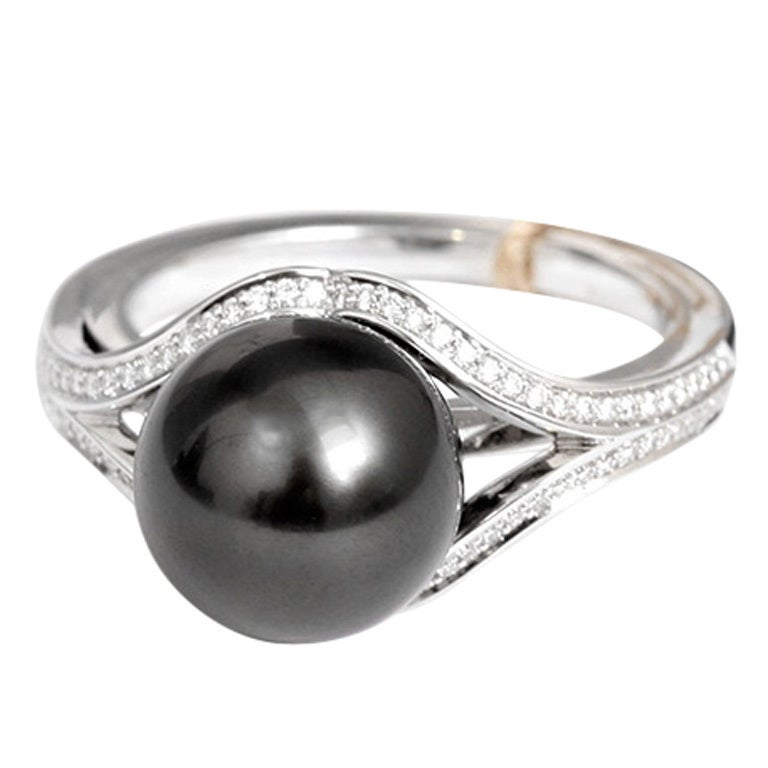 Beautiful Mikimoto Black South Sea Pearl And Diamond Ring