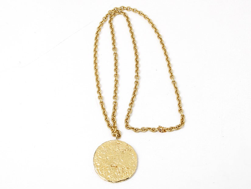 Artistic Pisces Zodiac Diamond Gold Necklace 2