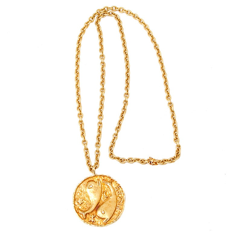 Artistic Pisces Zodiac Diamond Gold Necklace 1