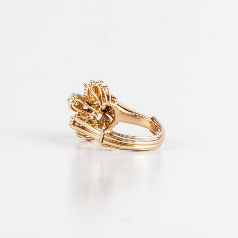 Oval Cut OSCAR HEYMAN BROS. Diamond Cluster Ring in 18K Yellow Gold For Sale