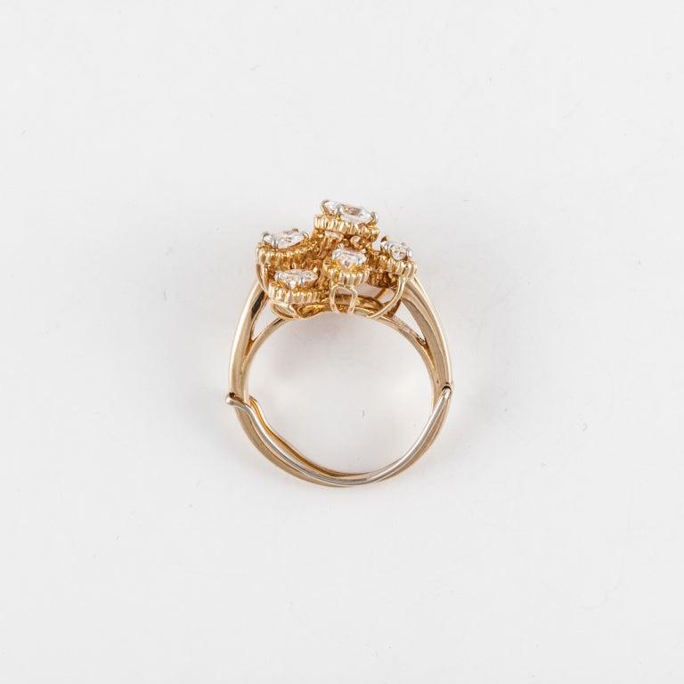 Women's OSCAR HEYMAN BROS. Diamond Cluster Ring in 18K Yellow Gold For Sale