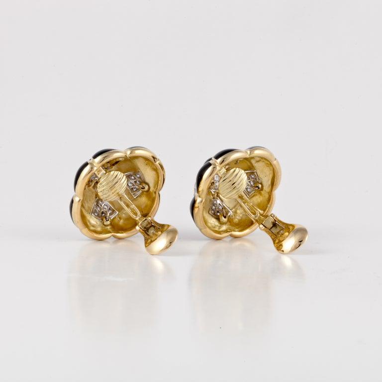 DAVID WEBB Black Enamel, Diamond, & Gold Earrings In Excellent Condition For Sale In Houston, TX