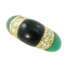 VAN CLEEF & ARPELS Black Onyx Chrysoprase Diamond Ring