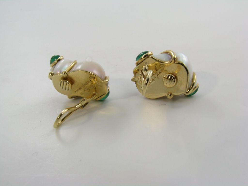SEAMAN SCHEPPS classic shell, emerald and gold earrings. 3