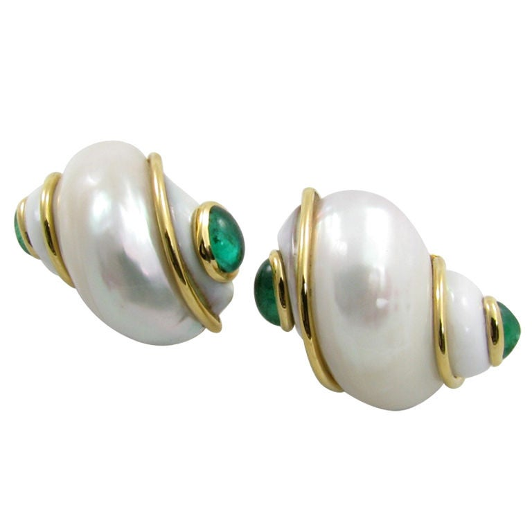 SEAMAN SCHEPPS classic shell, emerald and gold earrings. 1
