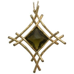 Ward Kelvin Olive Quartz Pendant Necklace