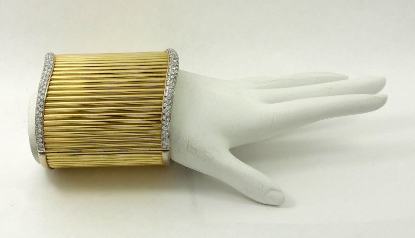 Diamond Set Gold Cuff Ribbed Design Bracelet In Excellent Condition For Sale In Blue Ridge, GA