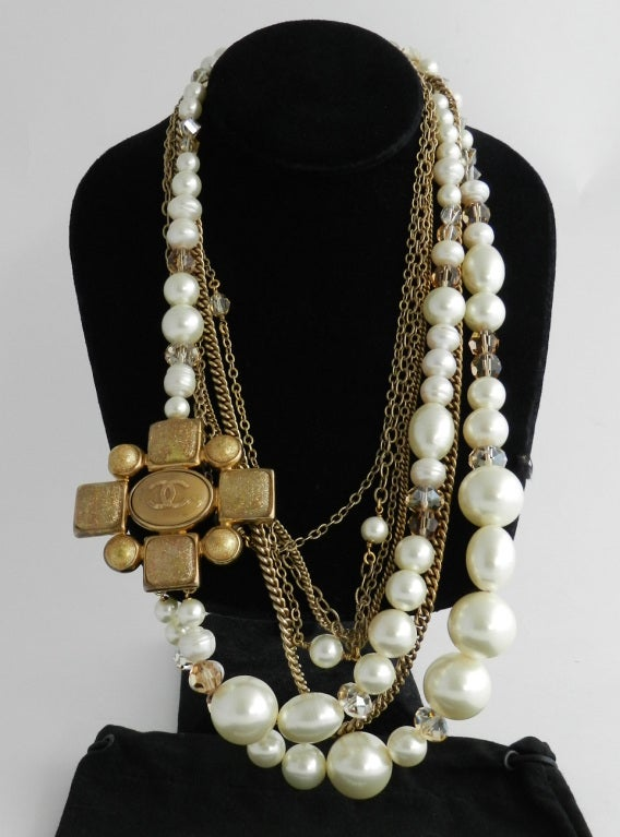 Chanel 07A Gripoix pearl necklace 3
