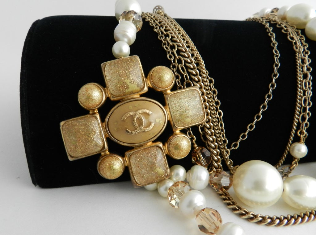 Chanel 07A Gripoix pearl necklace 4