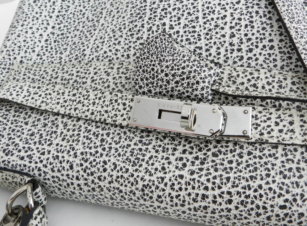0cad940d58c7 Hermes Dalmatian Kelly 32 Bag in Buffalo Skipper Leather at 1stdibs