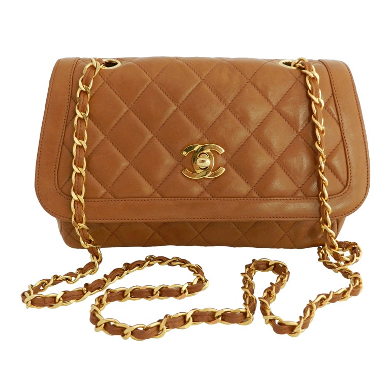 Chanel Classic Vintage Cross Body bag purse - Cognac