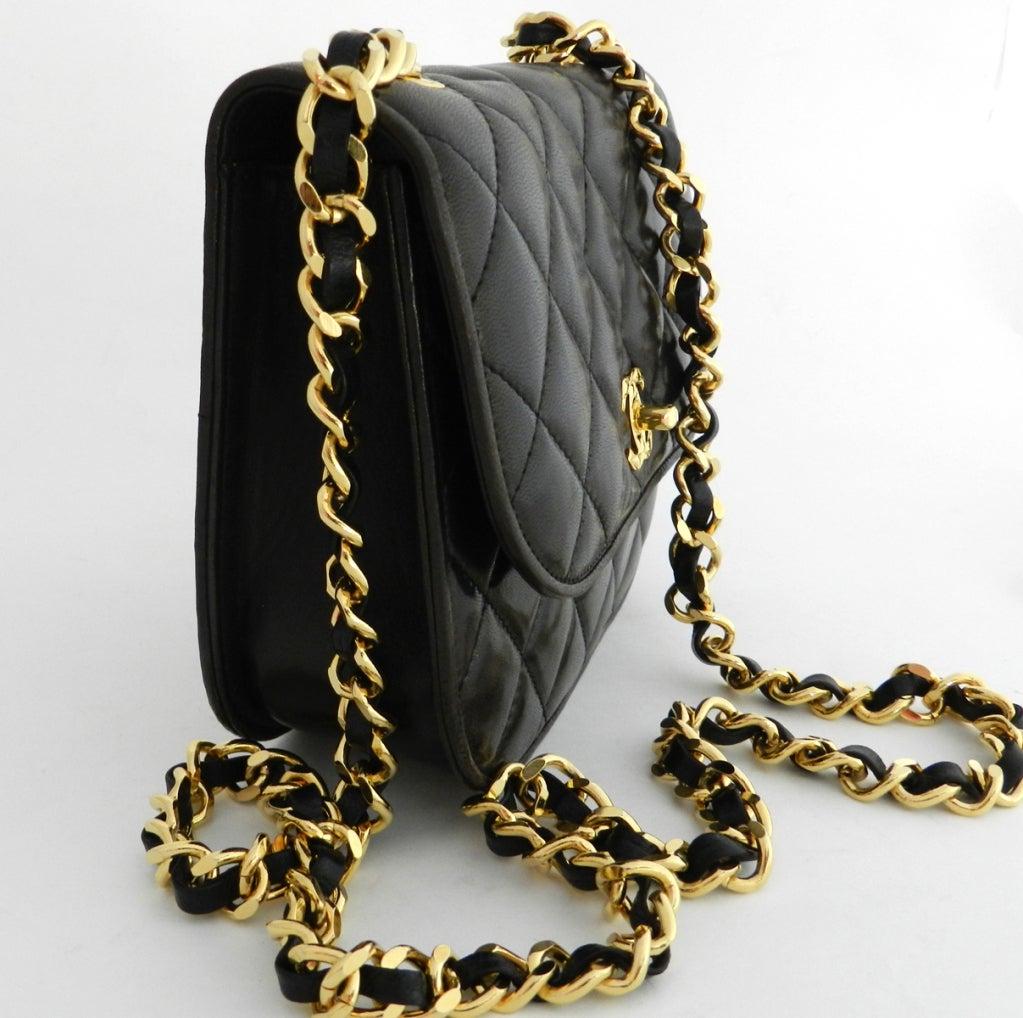 Chanel Classic Vintage Cross body bag purse 3