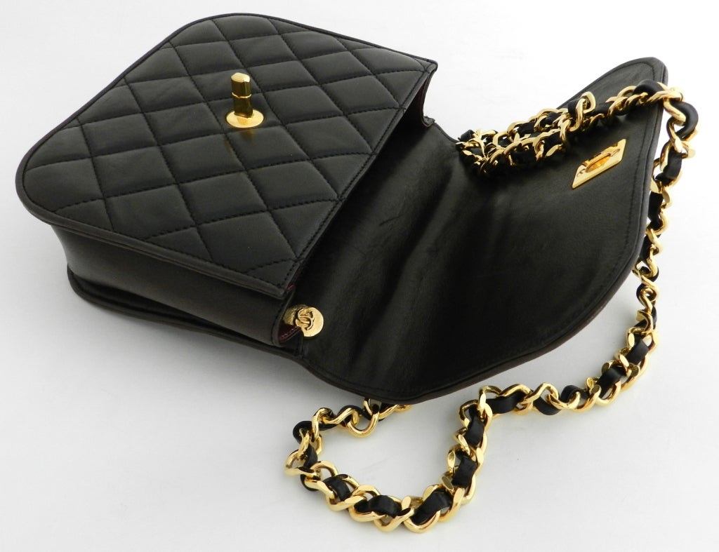 Chanel Classic Vintage Cross body bag purse 5