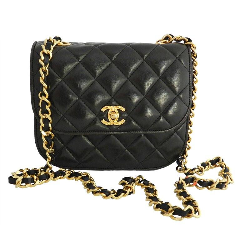 Chanel Väskor Vintage : Chanel classic vintage cross body bag purse at stdibs