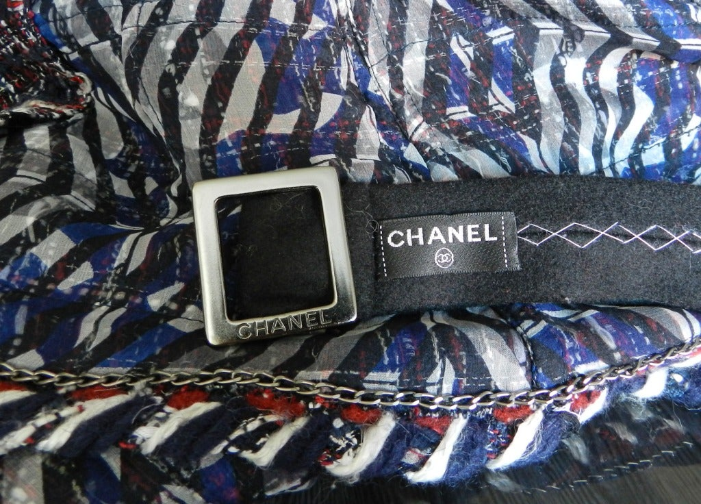Chanel Runway 08A Red Navy Tweed Jacket For Sale 4
