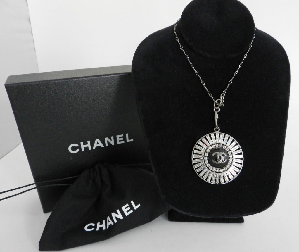 Chanel 07P Rhinestone Pendant Necklace 3