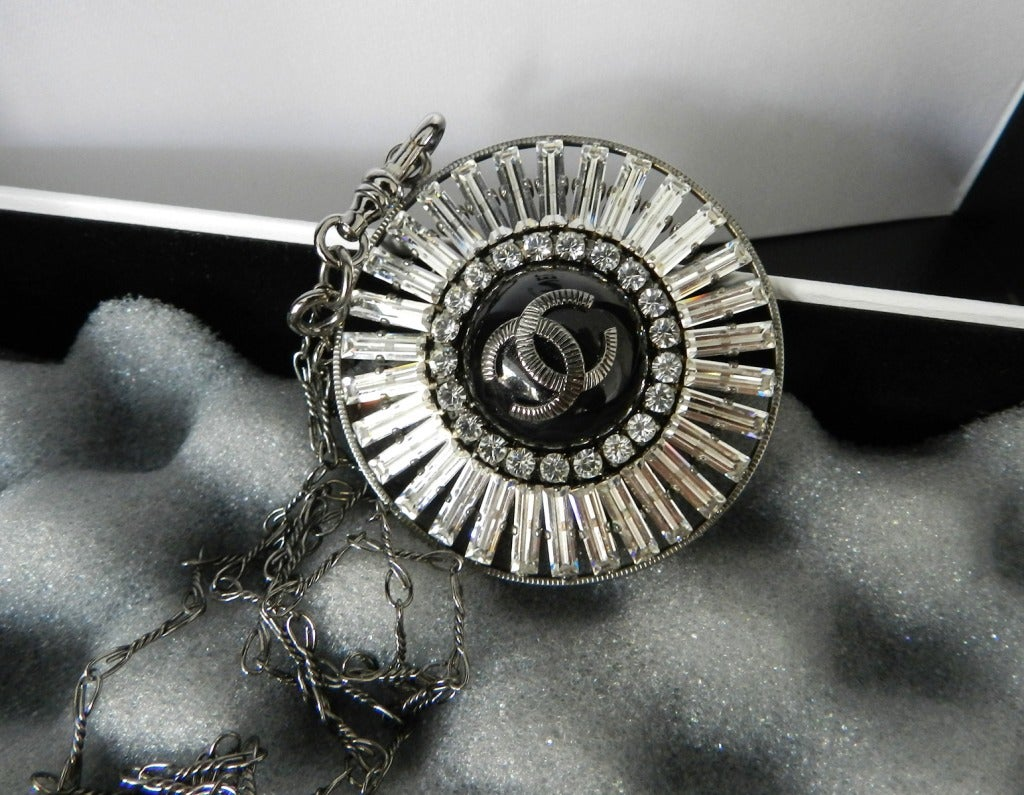 Chanel 07P Rhinestone Pendant Necklace 5