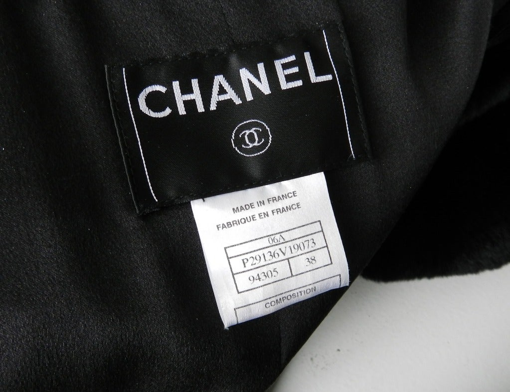 Chanel 06A Black Long Coat with Fur Collar 5