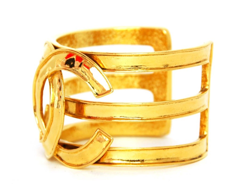 CHANEL Cutout Gold Tone Cuff With Oversized CC 2