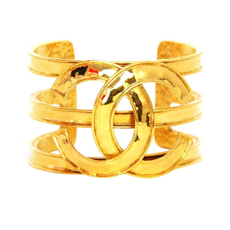 CHANEL Cutout Gold Tone Cuff With Oversized CC 1