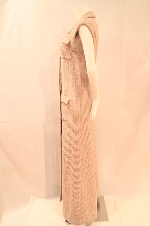 Women's CHANEL BEIGE TWEED SLEEVELESS COAT DRESS - SZ 38 For Sale