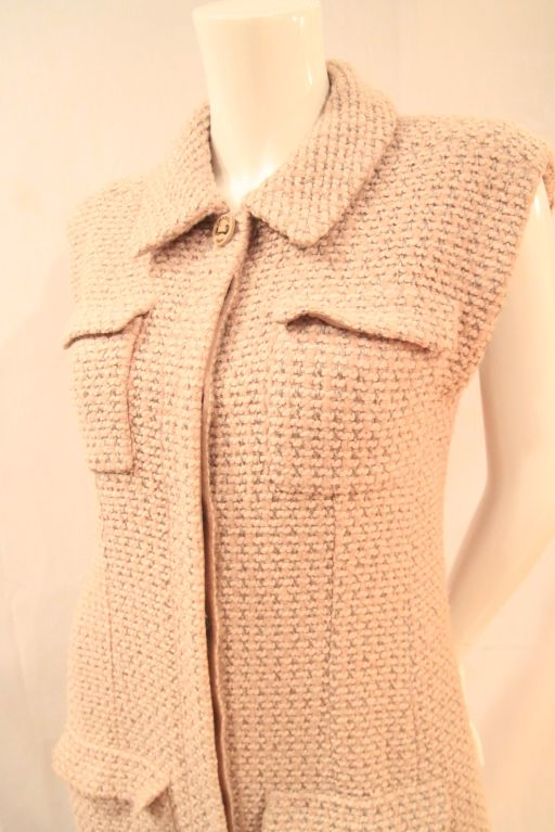 CHANEL BEIGE TWEED SLEEVELESS COAT DRESS - SZ 38 For Sale 2