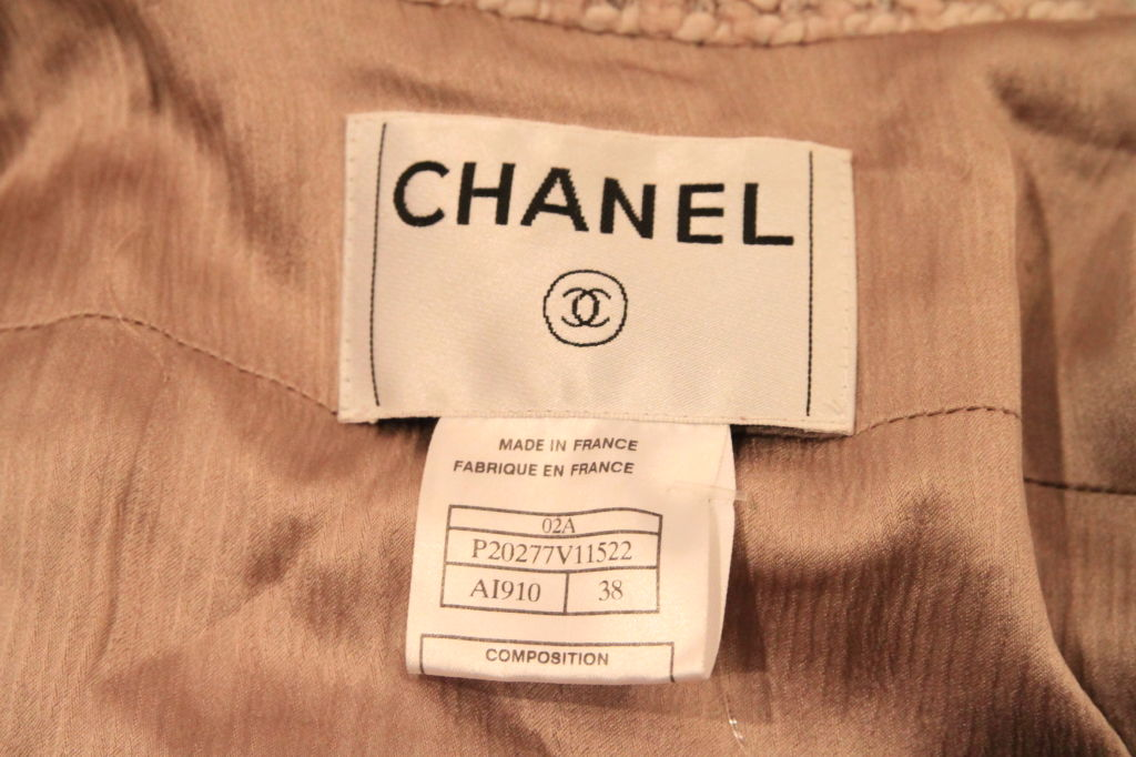CHANEL BEIGE TWEED SLEEVELESS COAT DRESS - SZ 38 For Sale 4