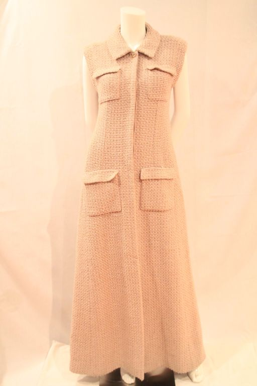 CHANEL BEIGE TWEED SLEEVELESS COAT DRESS - SZ 38 For Sale 5