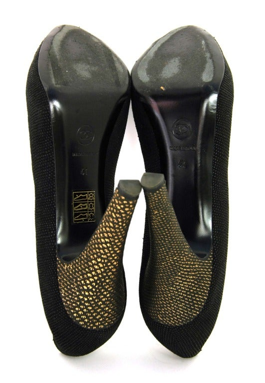 CHANEL Black Texture Platform Pumps with Gold Toe and Heel Sz 41 5