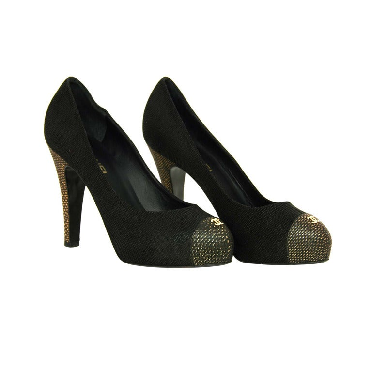 CHANEL Black Texture Platform Pumps with Gold Toe and Heel Sz 41 1