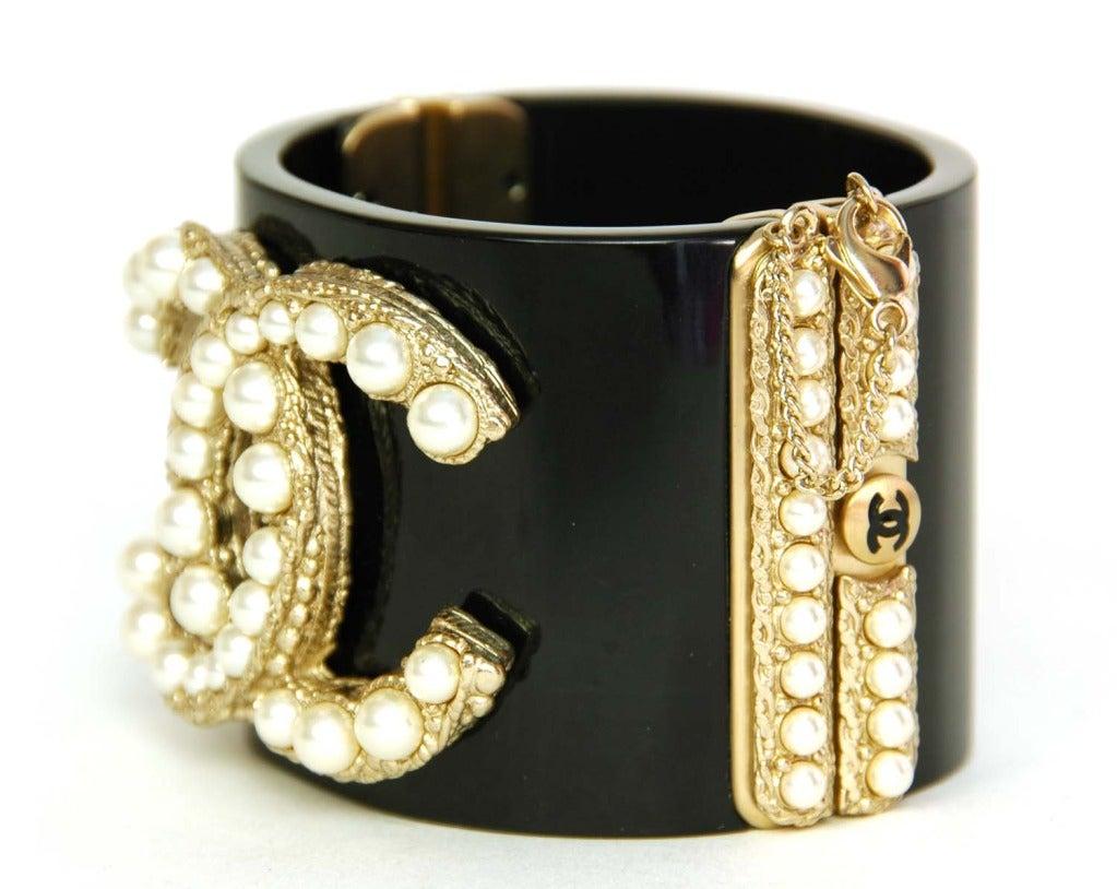 CHANEL NWT Black Resin Clamper Cuff Bracelet W. Pearl CC c. 2011 2
