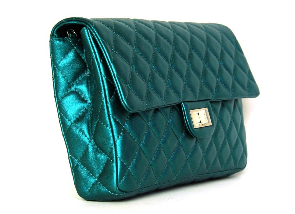 CHANEL Metallic Turquoise Quilted Classic Reissue Clutch W. SHW, Chain Strap image 3
