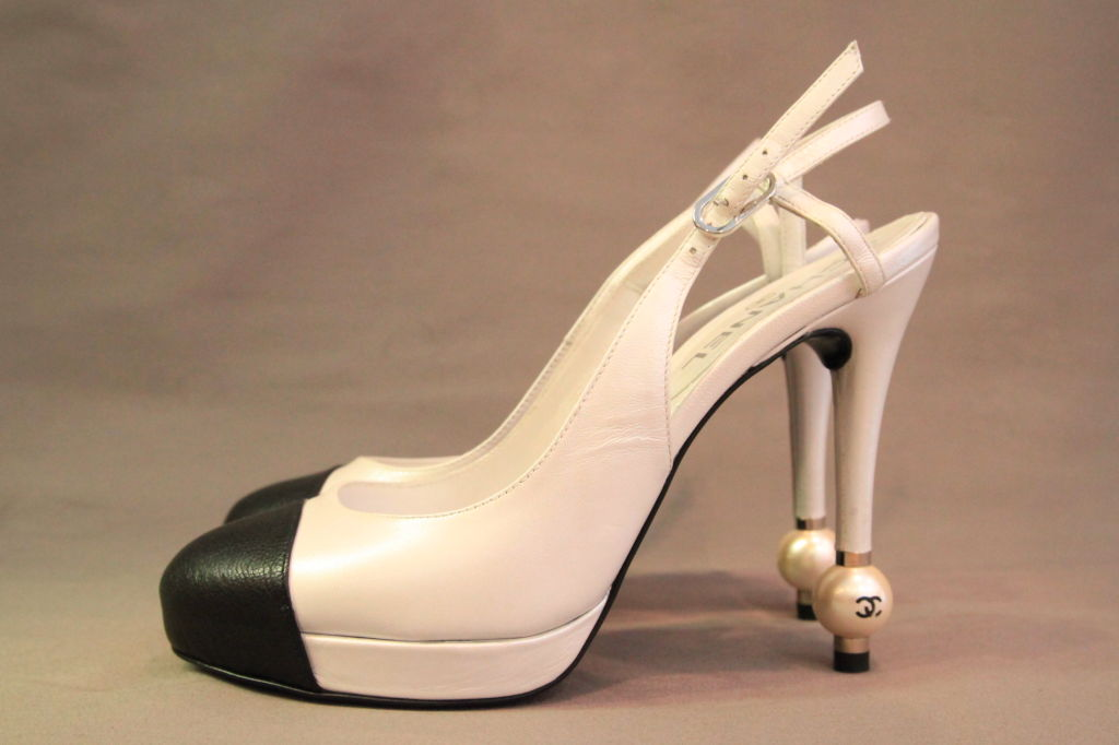 Chanel Pearlized White Black Leather W Cc Pearl Heels At