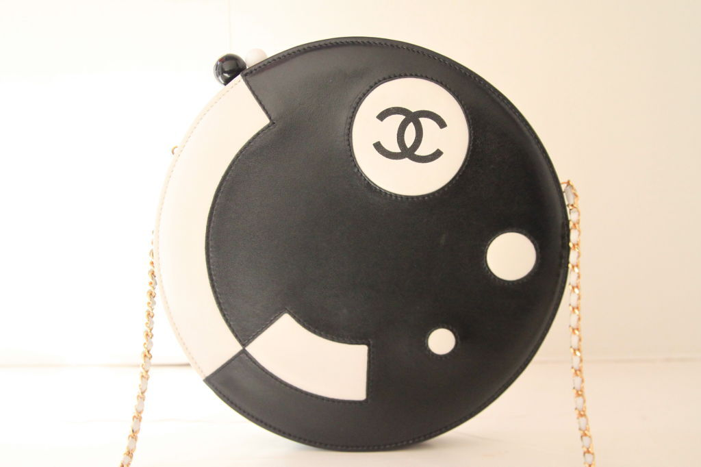 CHANEL BLACK/WHITE LAMBSKIN ROUND LIMITED EDITION RUNWAY BAG 10