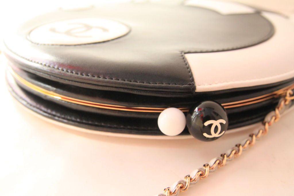 CHANEL BLACK/WHITE LAMBSKIN ROUND LIMITED EDITION RUNWAY BAG 4
