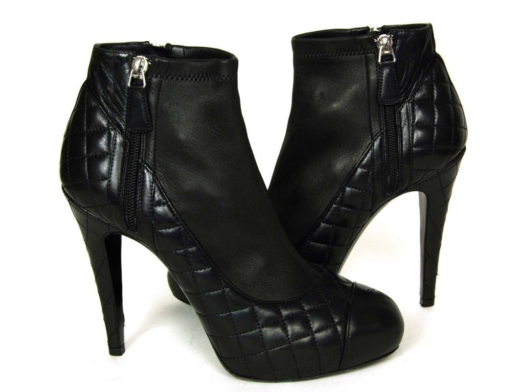 CHANEL Black Leather Ankle Booties W. Quilting, Cap Toe & Side Zippers Sz. 39.5 3