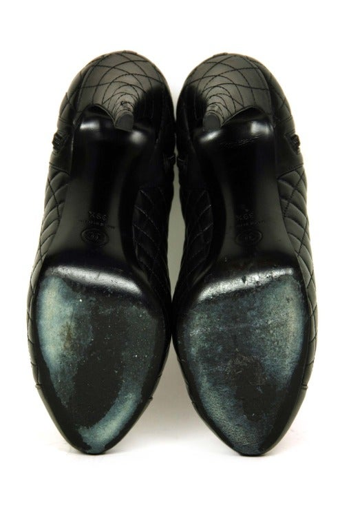 CHANEL Black Leather Ankle Booties W. Quilting, Cap Toe & Side Zippers Sz. 39.5 5